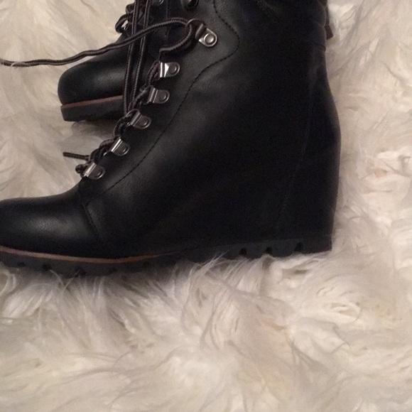 1c92802e8e3 Esprit Shoes - Esprit wedge black boot